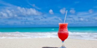Best Tropical Drinks for Summer