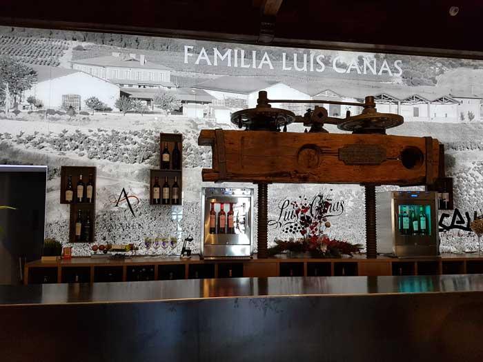 Bodega Luis Cana's wine tasting room