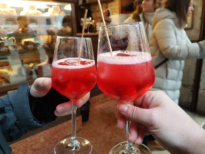 Drinking Toasts: How to Say Cheers in 35 Languages