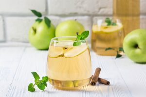 spiced apple kombucha cocktail