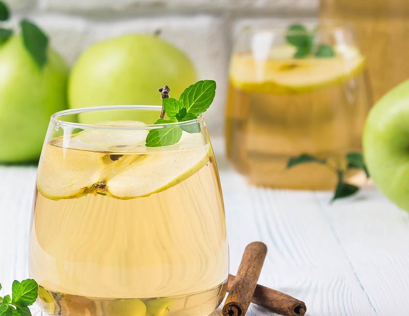 Spiced Apple Kombucha Cocktail