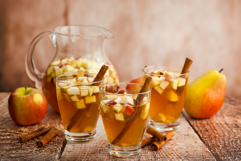 Cinnamon Apple Cider Sangria
