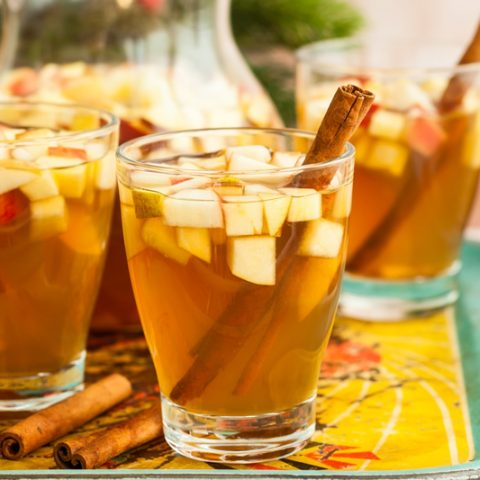 Cinnamon Apple Sangria
