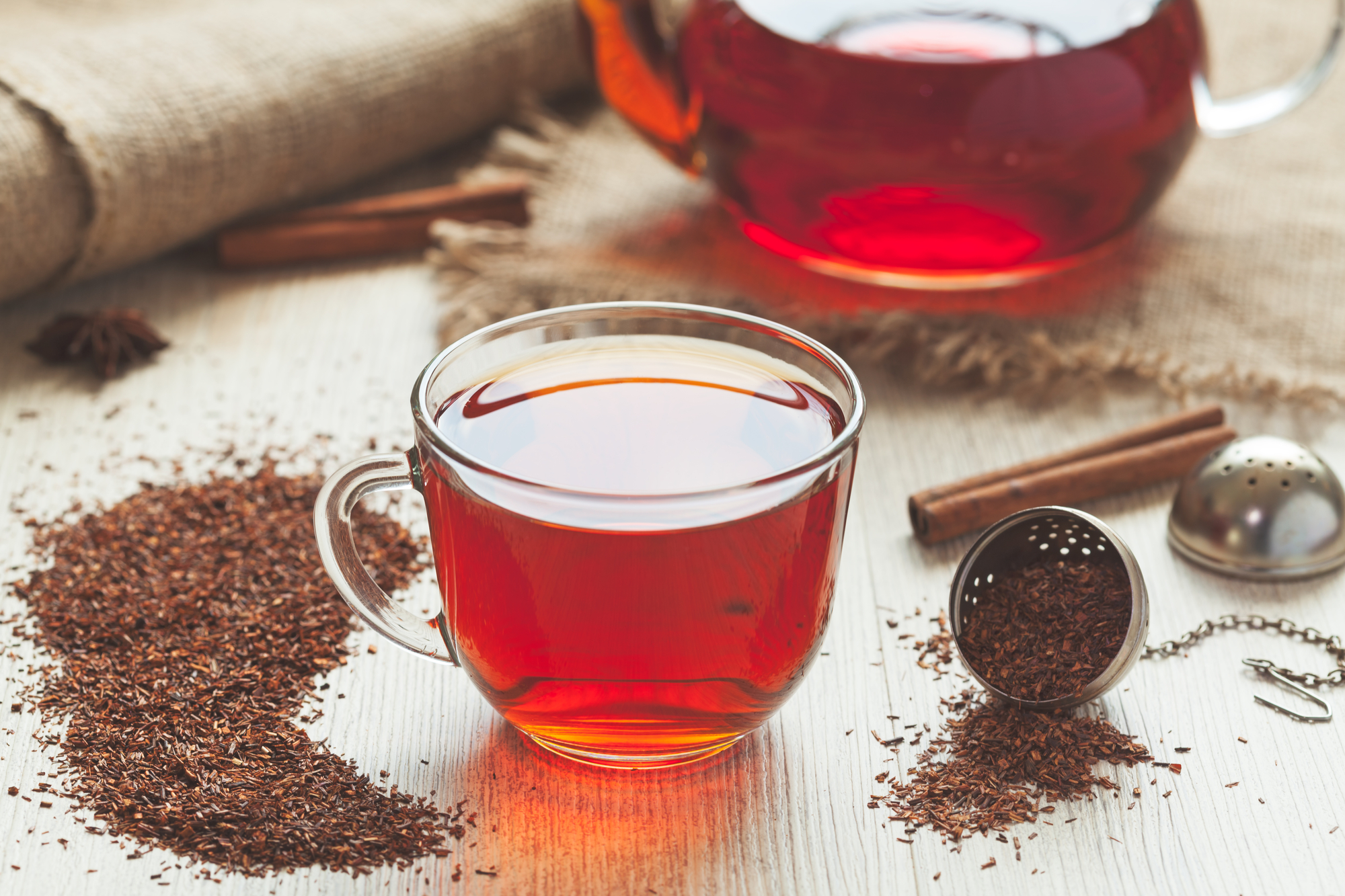 What is Rooibos Tea (+ Its Health Benefits)