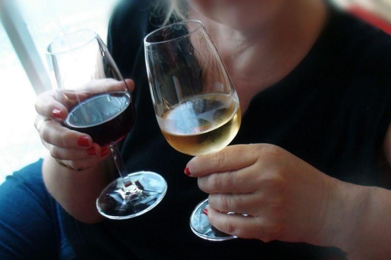 blind tasting the wines