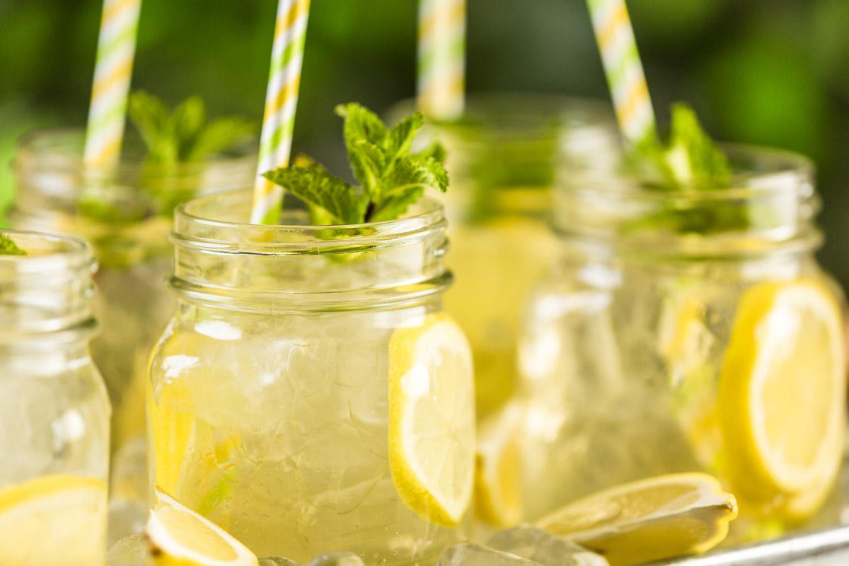Green Iced Tea with Lemon